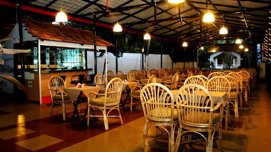 Multi Cuisine Restaurant at DON HILL BEACH RESORT Hotel DON HILL BEACH RESORT - Budget Hotels in Goa