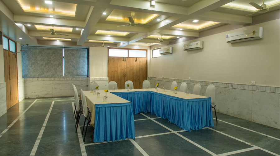 Mini Hall at The Majestic Manor- A Home Away From Home Nagpur - Budget Hotels in Nagpur
