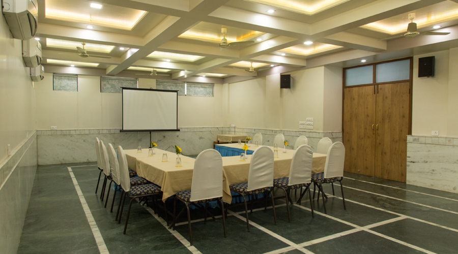 Conference Hall at THE MAJESTIC MANOR- A HOME AWAY FROM HOME Nagpur - Budget Hotels in Nagpur