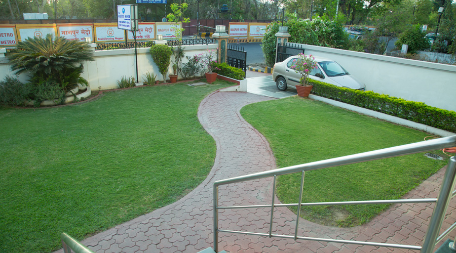 Lawn at The Majestic Manor- A Home Away From Home Nagpur - Budget Hotels in Nagpur