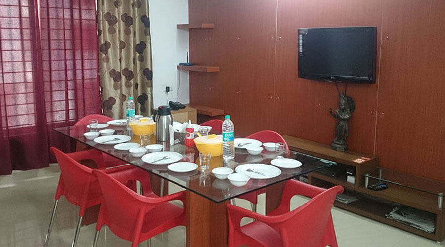 Welcome to Mansarovar Roof Top Restaurant at PADHARO SA GUEST HOUSE BHOPAL Bhopal - Budget Hotels in Bhopal